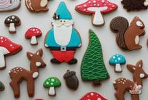 Woodland Decorated Cookies / Ideas for creating a woodland theme with cookies. Woodland decorated cookies and cookie cutter shapes in the woodland theme.