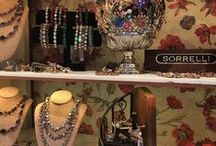 Jewelry organization / Need some organization inspo? We've got it covered! Keep your Sorrelli collection in it's best condition with these great organization ideas.