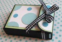 Tutorials doosjes, tasjes, albums / Voor het maken van doosjes, tasjes en albums vindt u hier tutorials, soms in combinatie met templates en uitleg.