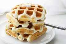 {Breakfast} / Breakfast recipes to start your day off right.  Pancakes, cinnamon rolls, smoothies...yum!