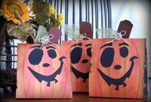 Halloween Crafts & Decor / Glue Dots adhesives help you create a spook-tacular party! Here you can find Halloween treat boxes, treat bags, trick-or-treat countdown boards, Halloween decorations and more!