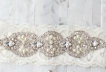 Cintas pelo, cinturones y ligas de novia
