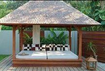 Daybeds / A selection of daybeds to inspire your next outdoor/indoor project.