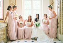 ブライズメイド スタイル l Bridesmaid Style / 結婚式をより華やかにしてくれるブライズメイドのドレスやブーケを特集します。Bridesmaid's dress and bouquets.