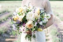 ウェディングブーケ l Bride's bouquets /  世界中の素敵なウェディングブーケを特集しています♡