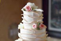 ウェディングケーキ l Wedding Cakes / 見た目も綺麗で可愛すぎるウエディングケーキを特集しています。Wedding cakes.
