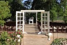 Rentables: Altars / Not all weddings are the same. We have several choices for altars to make your special day... well... perfect!!