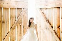 Rustic Chic Wedding Ideas / Every month we create an inspiration board for different wedding trends. We gather all the images we think inspire great creativity and style. This month, we fell in love with rustic weddings. Here's our inspiration.