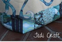 Purses and Totes / by Jodie Emmons