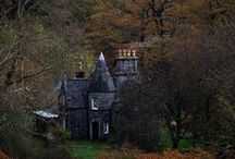 Witch House / Welcome to visit a witch. Here you can drink tea by the fireplace or stroll through the beautiful surroundings.