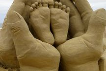 sand sculptures / Playing in the sand