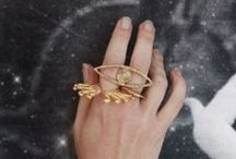 Treasure / Jewellery, rings, bangles, gemstones, goldsmith and silversmith