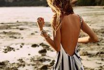 Honeymoon Packing List / What should you wear on the most romantic vacation of your life? Get the packing list you need.