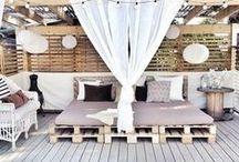 Patio / Outdoor patio furniture