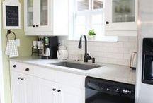 Kitchen / by Dawne Novinger
