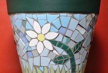 MOSAIC IV mirrors pots plates tables hearts / spiegels potten borden en tafeltjes harten in mozaiek
