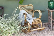 Garden / Flowers, trees, furniture, green, colours and sunshine. Everything a garden needs!