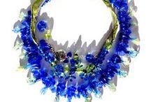 Villkvinnesmykker  - Sterling silver and handmade beads jewellry / Trollsmeds Wild Woman necklaces My sterling silver handmade jewellry My own lampwork and porcelain beads, glass, porcelain, stone, wood... Følg Trollsmed på Facebook http://www.facebook.com/trollsmedsida Smykker på epla http://trollsmed.epla.no Alt annet på Epla http://marked.epla.no  http://kreativtsnop.epla.no : http://alvetaarefolket.epla.no