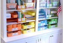 Homeschool Organization / Organize all those homeschool files, books, lesson plans, curriculum, and records!  Inspiration for your homeschool curriculum organization, and homeschool supply organization.