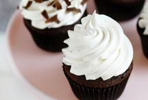 Dessert: Cupcakes / Cupcake love and recipes galore! Cake meets frosting in a handheld treat. What's not to love? #cupcakes #desserts #recipes  / by Dawn Lopez