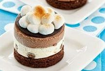 S'mores / Love the combo of chocolate, graham crackers and marshmallow? You've totally come to the right place.