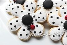 Decorated cookies / Ideas for decorating cookies / by Debbie Piercy