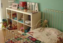 the girl's bedroom