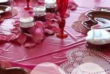 Valentines / Looking for cute Valentine Decorations and Ideas? Super Cute Gift Ideas and Glamentine Party Post.