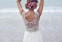 Mariage / Décoration de mariage, bagues, robe de mariée, costume de marié, enfant d'honneur