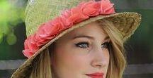 Atelier DIY Customisation de chapeaux - Tiboudnez / Aujourd'hui nous allons donc réaliser step by step un chapeau en paille brodé d'une jolie petite voie lactée ! En sommes, l'intérêt est que vous réalisiez un motif qui vous plait à vous, un motif qui vous est propre afin de rendre ce chapeau