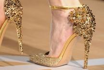 Fashion To Die For / by Caroline Kelley