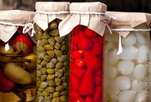 Preserving the Harvest / Food preservation tips and recipes. Canning, Freezing, Dehydrating, Fermenting...you name it! Want to be a contributor? Be sure to follow the board, and shoot me a line. #canning #preserving #dehydrating #freezing #preservetheharvest #winteriscoming