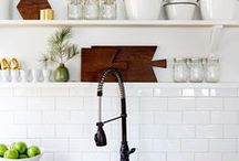Kitchen Ideas / Kitchen Decor | Ideas for Your Kitchen | How to decorate your kitchen | Kitchen remodels | Kitchen renovations | Farmhouse style kitchens | White kitchens | Kitchens with boho style | Open shelving | Kitchen Finishes