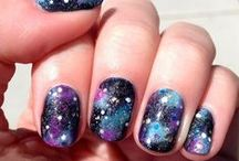 Trend to Try: Galaxy Nails