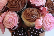 Cakes & Cupcakes / by Debe Tomney