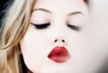 Travel Tips: Makeup Looks For Travel