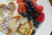 Food: Breakfast / by Hailey Hillam Rogers