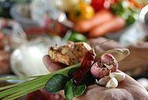 Mark Wiens & Food Travel / DAMN DELICIOUS