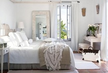 Bedrooms / by Paloma Thacker