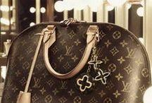 handbag amor. / We love handbags. You love handbags. Let's pin things. Fashionable, stylish handbags for all seasons! / by Stacie Haight Connerty