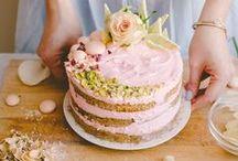 CAKE DECORATION //