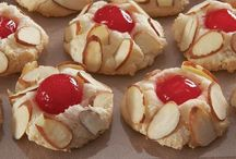 Amaretto & Almond Sweets / Recipes Featuring Amaretto or Almonds Contributors: Please make sure all pins link directly to a complete recipe. Links to the original source are preferred. Thanks! :) / by Janine (sugarkissed.net)