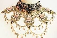 vintage jewelry, crowns,buttons, accessories  / vintage or vintage style jewelry