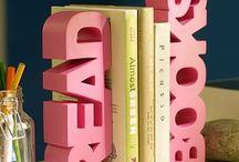 Books Worth Reading / by Nina Vintage