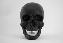 Cranium fascination / A collection of artful skulls. / by Keyhé Delsink