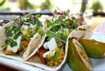 A Healthy Kitchen: Vegan & Vegetarian / by Lesli Johnson