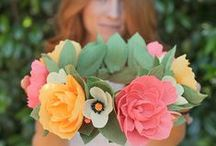 Crepe Paper Flowers / Learn how to make crepe paper flowers! Let your creativity bloom with DIY paper flower tutorials from Lia Griffith. Make a crepe paper magnolia, pretty daffodils, paper peonies and more!  #CrepePaperFlowers