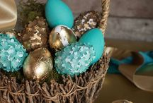 Easter Bunny / Everything Easter... Table settings, how to crafts, and of course coloring eggs