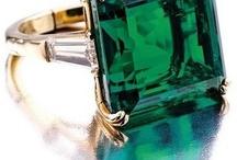 Pantone Emerald 2013 color