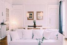 AT HOME // CHEZ MOI / Bienvenue chez moi ! Quelques images de mon appartement au coeur de Paris.